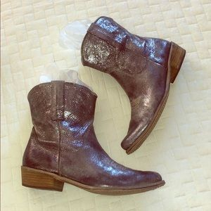 Boutique 9 Silver Metallic Jolisa Pewter Boots